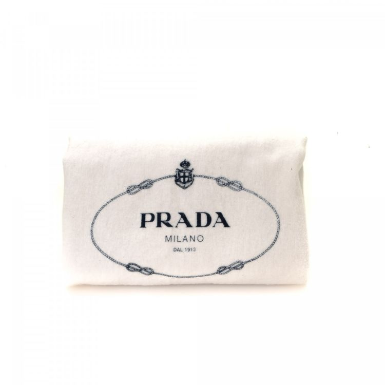 2f0f7ec18d8d The authenticity of this vintage Prada Bag clutch is guaranteed by LXRandCo.  This beautiful wristlet was crafted in tessuto nylon in black.