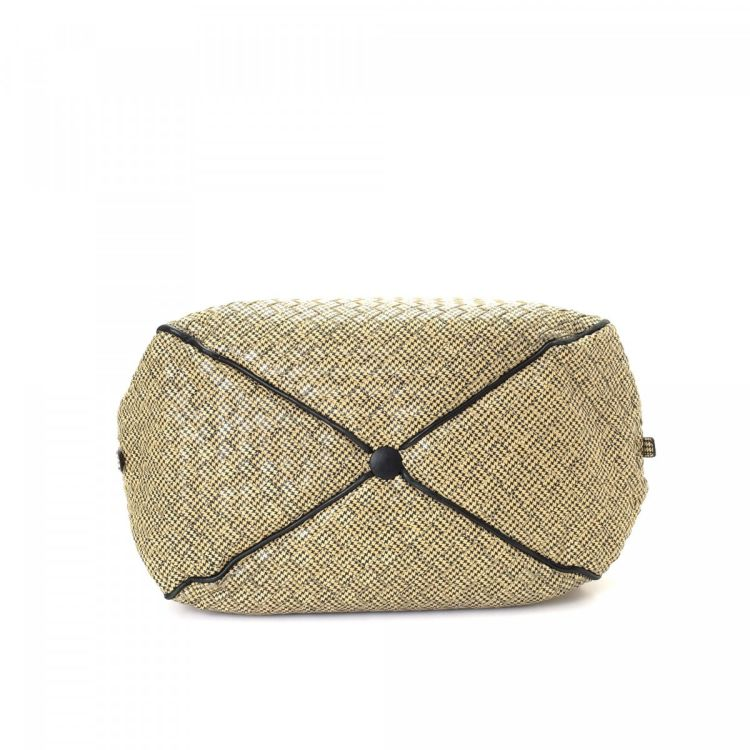 12bef296c7 ... this is an authentic vintage Bottega Veneta Houndstooth Boston Bag  travel bag. This iconic overnight bag was crafted in intrecciato leather in  beige.