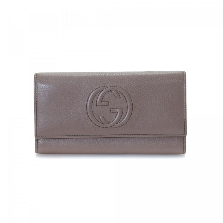 157e7a1bb18 LXRandCo guarantees this is an authentic vintage Gucci Soho Continental  wallet. This signature slimfold comes in beautiful grey leather.