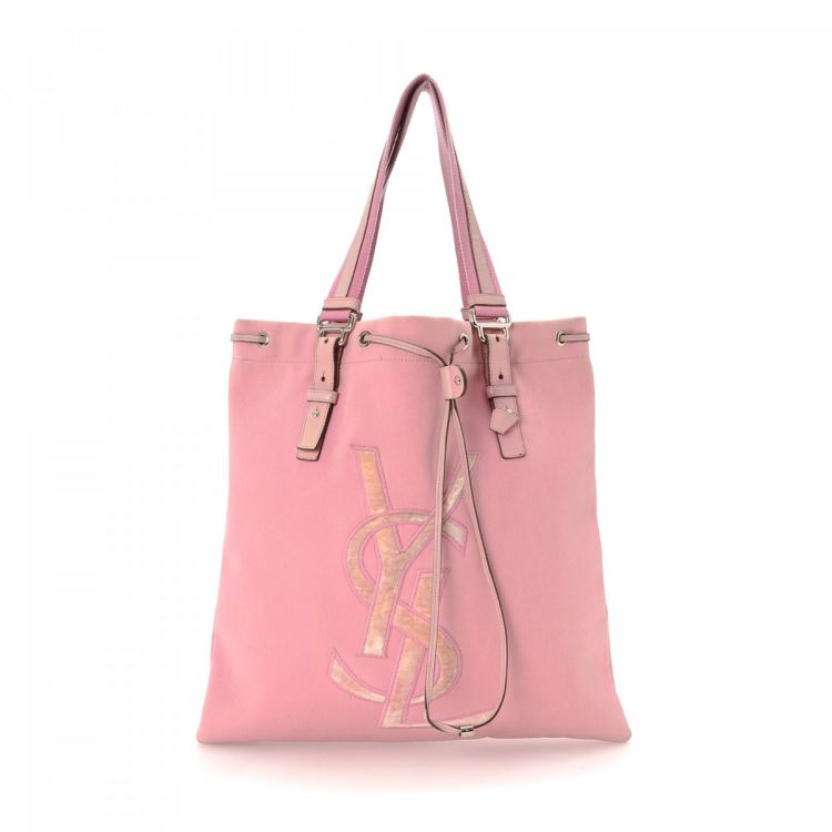 95ff405b35a The authenticity of this vintage Yves Saint Laurent Kahala Bag tote is  guaranteed by LXRandCo. Crafted in canvas, this chic bag comes in beautiful  pink.