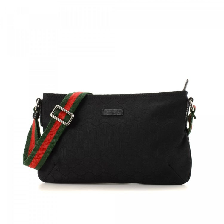 2b6385412425 LXRandCo guarantees the authenticity of this vintage Gucci Crossbody Bag  messenger   crossbody bag. This elegant hobo bag was crafted in gg canvas  in black.