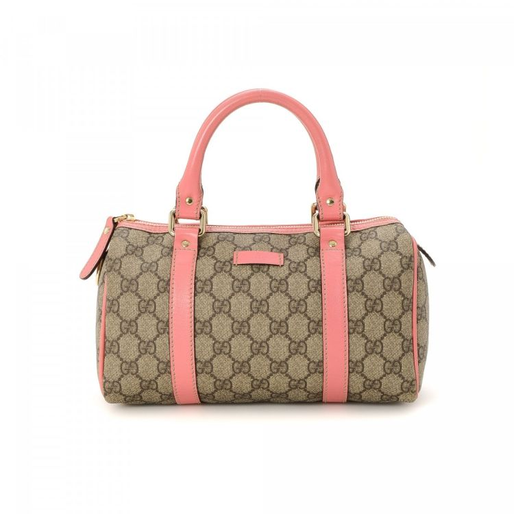 5d604b94b36 The authenticity of this vintage Gucci Joy Small Boston Bag travel bag is  guaranteed by LXRandCo. Crafted in gg supreme coated canvas