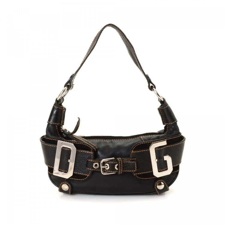 fd0bc244eab2 LXRandCo guarantees this is an authentic vintage Dolce   Gabbana shoulder  bag. Crafted in leather