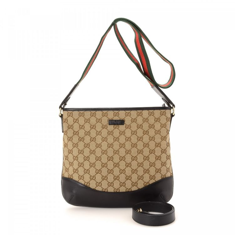 458baac6fb2f47 The authenticity of this vintage Gucci Two Way Bag messenger & crossbody bag  is guaranteed by LXRandCo. Crafted in gg canvas, this exquisite hobo bag  comes ...