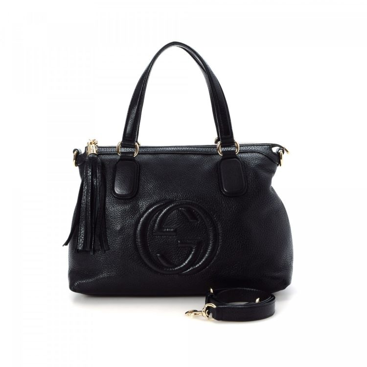 6c7c21af2 The authenticity of this vintage Gucci Soho Padded GG shoulder bag is  guaranteed by LXRandCo. This lovely bag was crafted in leather in black.