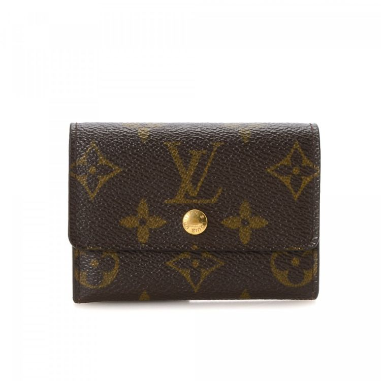 d902f28d94d0 The authenticity of this vintage Louis Vuitton Coin Purse wallet is  guaranteed by LXRandCo. Crafted in monogram coated canvas