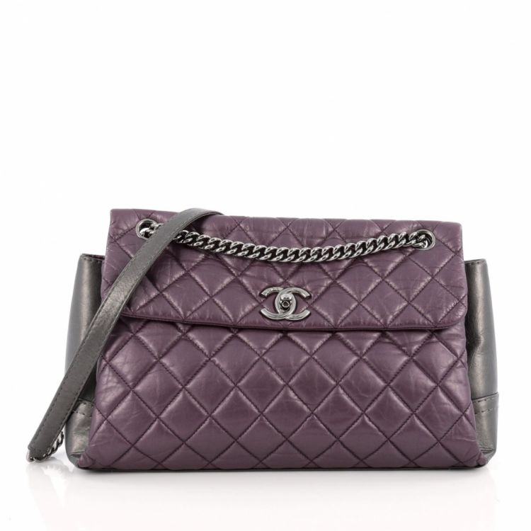 99323aeedc1c The authenticity of this vintage Chanel Lady Pearly Flap Bag Aged Quilted  Calfskin Medium handbag is guaranteed by LXRandCo. Classic pocketbook.