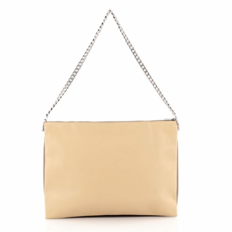d93a9b582d The authenticity of this vintage Céline Trio Chain Clutch Leather handbag  is guaranteed by LXRandCo. Luxurious pocketbook. Good condition  (AB)