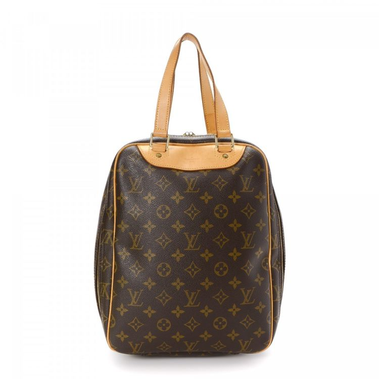 37b1297b ... the authenticity of this vintage Louis Vuitton Excursion travel bag.  This practical carry on was crafted in monogram coated canvas in beautiful  brown.