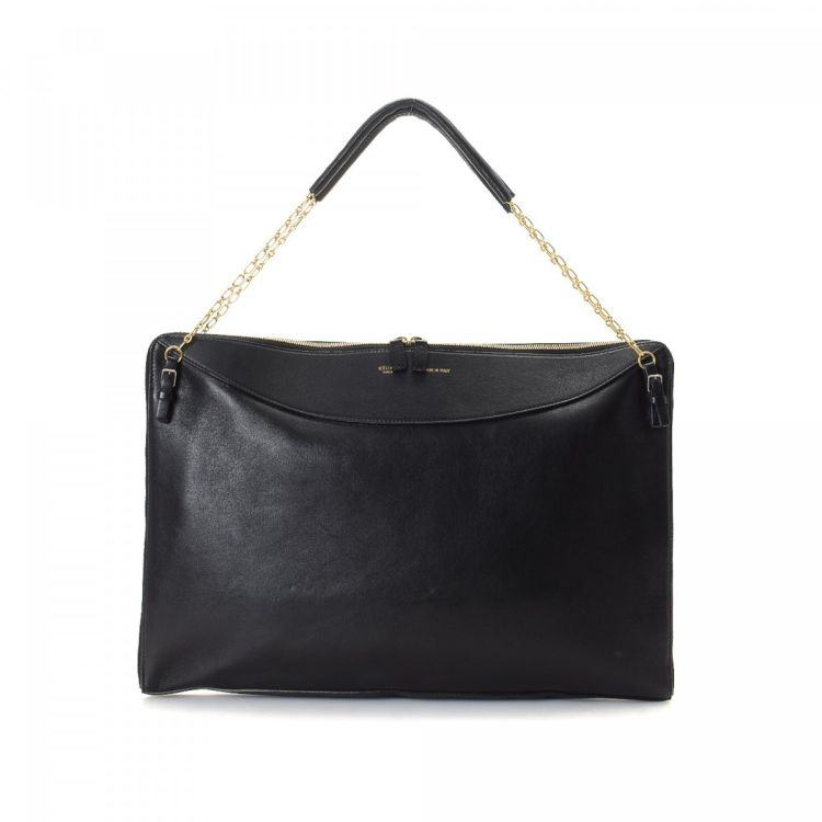 29f8aea208b7c LXRandCo guarantees this is an authentic vintage Céline shoulder bag.  Crafted in leather