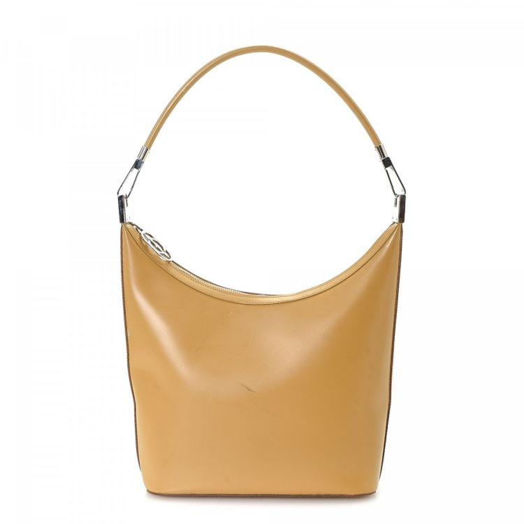 08f5f17206a The authenticity of this vintage Gucci Hobo Bag shoulder bag is guaranteed  by LXRandCo. This everyday shoulder bag was crafted in leather in beautiful  tan.