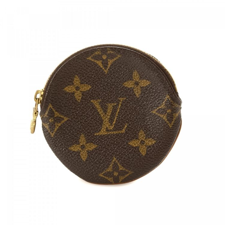 0a80f962e174 LXRandCo guarantees this is an authentic vintage Louis Vuitton Round Coin  Purse wallet. This refined wallet in brown is made in monogram coated canvas .