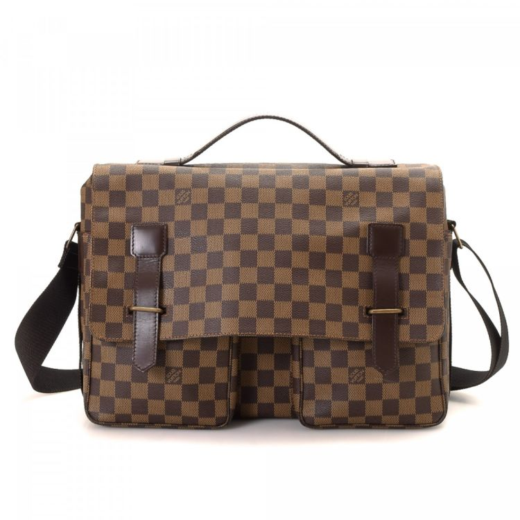 da1b28077ebb LXRandCo guarantees this is an authentic vintage Louis Vuitton Broadway  messenger   crossbody bag. Crafted in damier ebene coated canvas