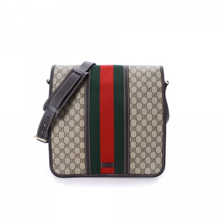 dbd76f4dcd6d LXRandCo guarantees the authenticity of this vintage Gucci Classic Web Crossbody  Bag messenger & crossbody bag. This beautiful pocketbook was crafted in gg  ...