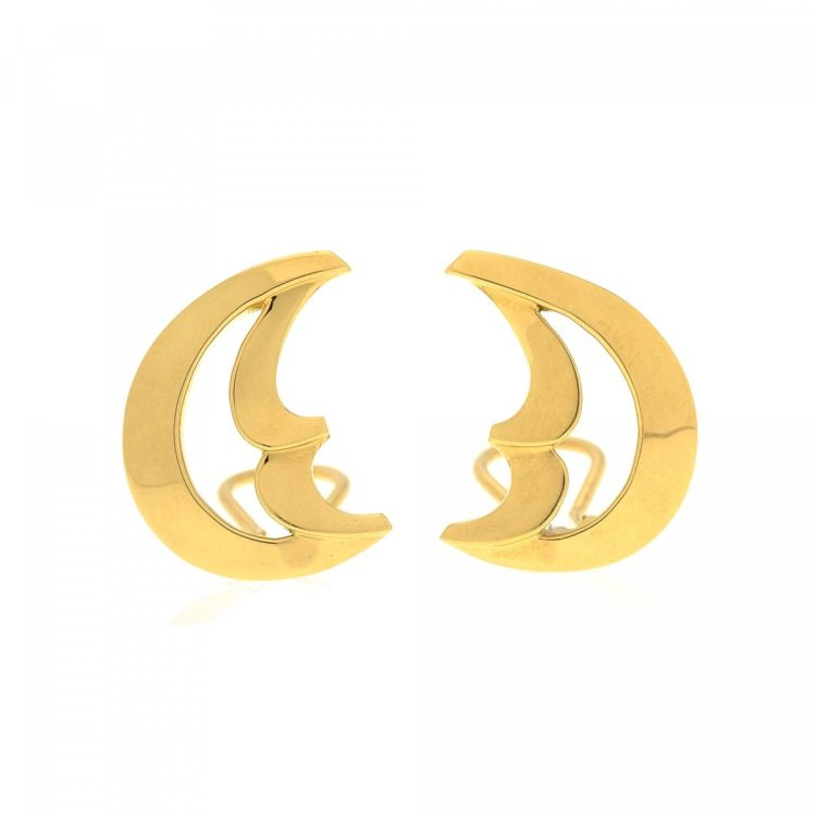 e50536f29265 LXRandCo guarantees these are authentic vintage Tiffany Paloma Picasso Moon  Clip-on earrings. Crafted in 18k gold, these elegant earrings come in gold  tone.