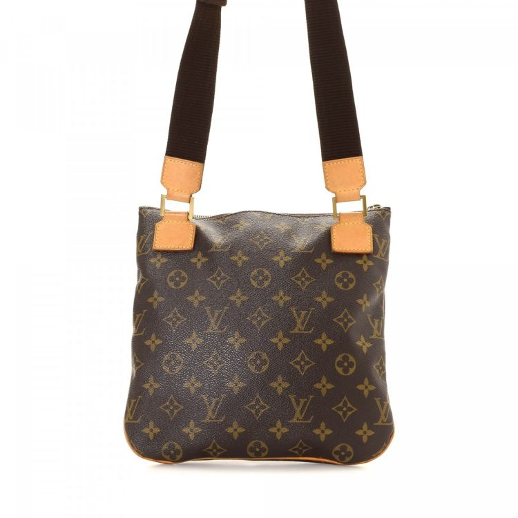 7363997b7dbe LXRandCo guarantees this is an authentic vintage Louis Vuitton Pochette  Bosphore messenger   crossbody bag. This luxurious hobo bag in brown is made  in ...