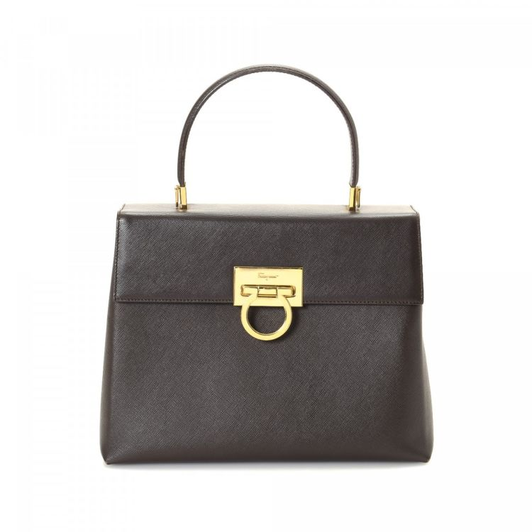 b2f71de2d5c2 The authenticity of this vintage Ferragamo handbag is guaranteed by LXRandCo.  Crafted in leather