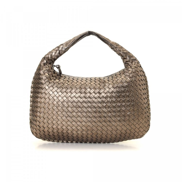 84e8fe3030 LXRandCo guarantees the authenticity of this vintage Bottega Veneta Hobo Bag  shoulder bag. Crafted in intrecciato leather