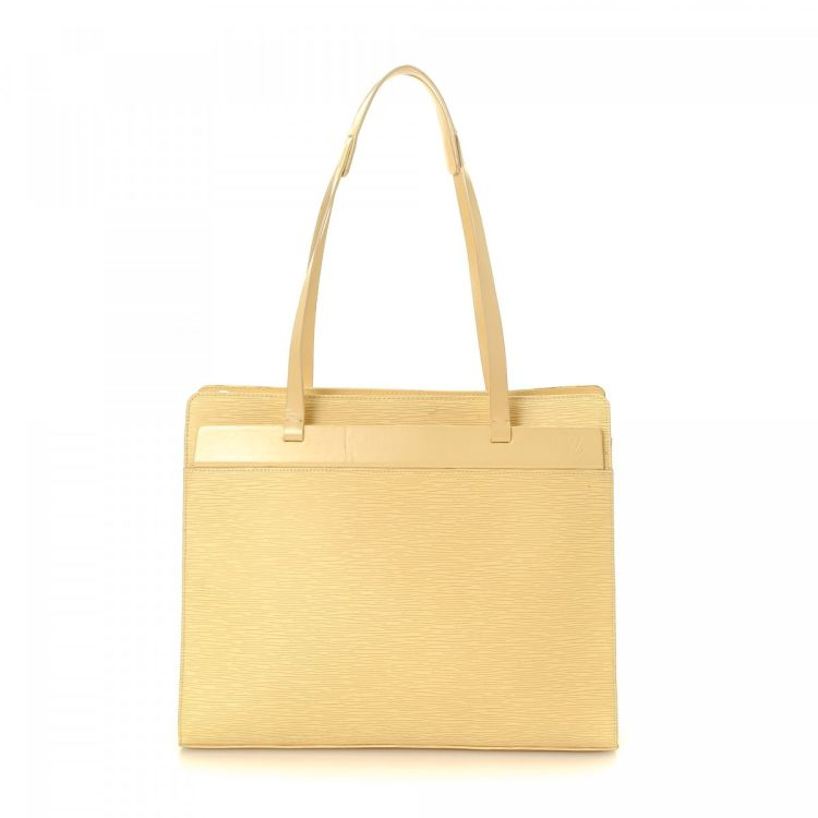 b2fa1b9f53e7 LXRandCo guarantees this is an authentic vintage Louis Vuitton Croisette GM  shoulder bag. This sophisticated shoulder bag in vanilla is made in epi  leather.