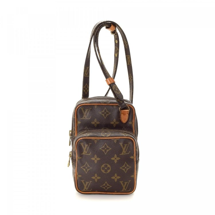 de3bf555d136 The authenticity of this vintage Louis Vuitton Mini Amazon messenger   crossbody  bag is guaranteed by LXRandCo. This beautiful messenger   crossbody bag in  ...