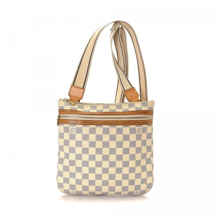 74fdbabc0057 LXRandCo guarantees this is an authentic vintage Louis Vuitton Messenger  Bosphore PM messenger   crossbody bag. This iconic hobo bag in white is made  in ...