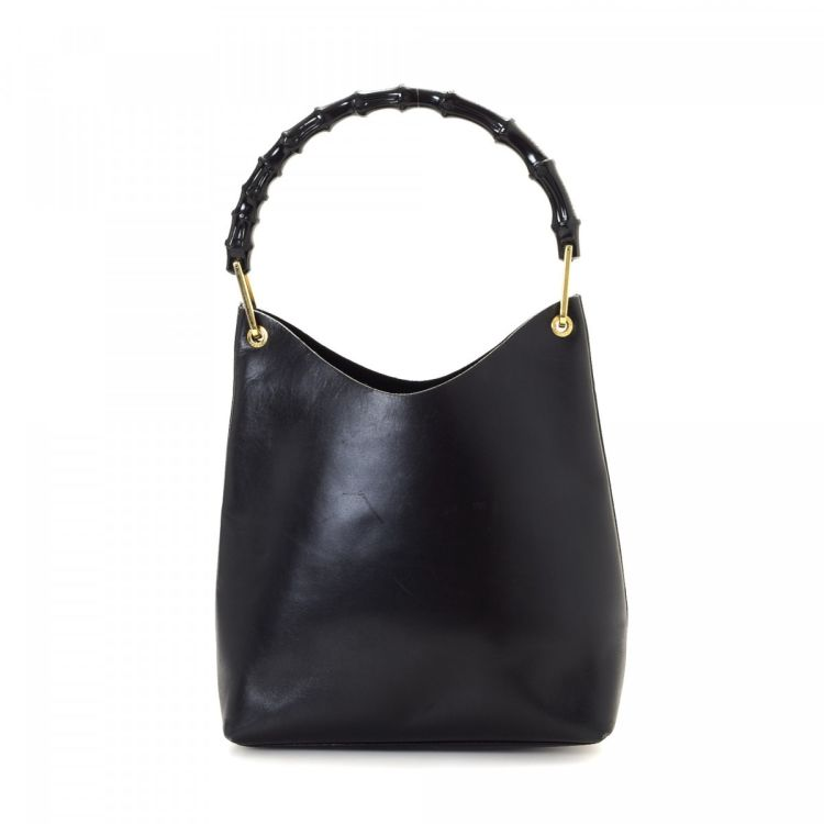 78b88c75110 The authenticity of this vintage Gucci Hobo Bag shoulder bag is guaranteed  by LXRandCo. Crafted in bamboo leather