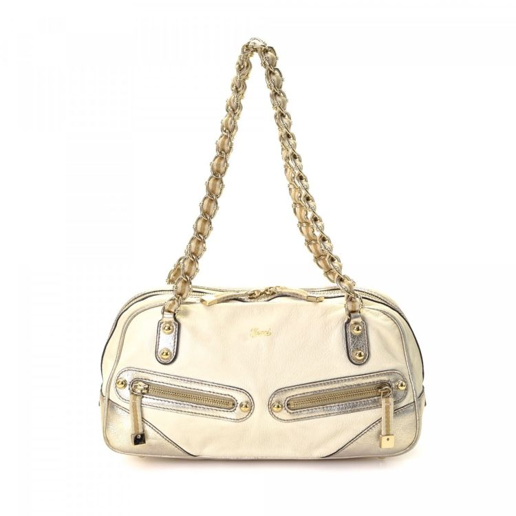 db73594cea02 LXRandCo guarantees this is an authentic vintage Gucci Princy shoulder bag.  This signature pocketbook comes in cream leather. Due to the vintage nature  of ...