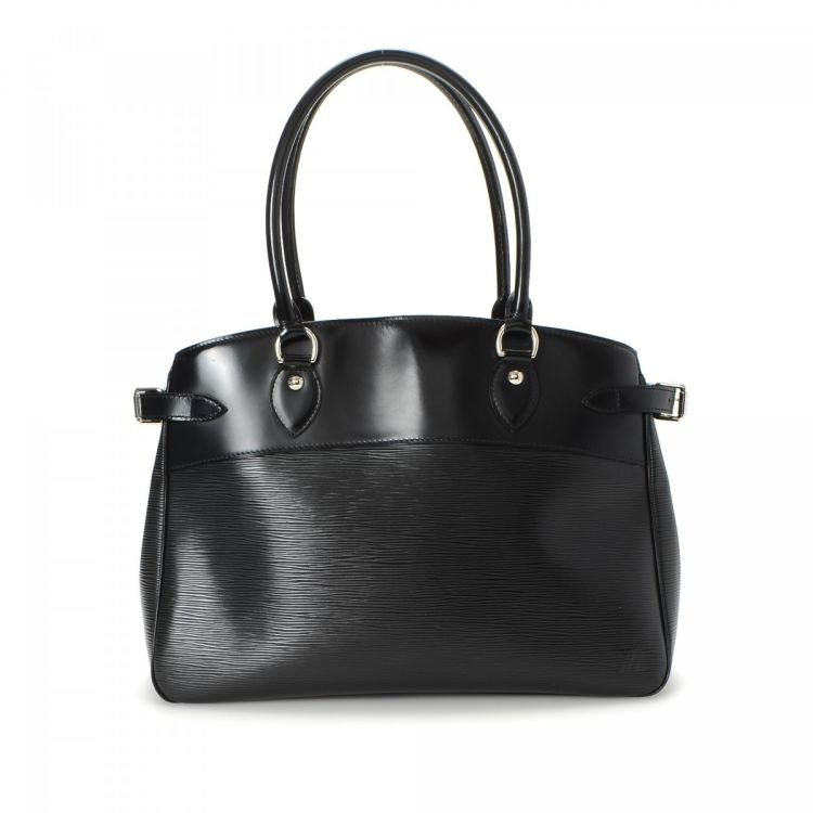 LXRandCo guarantees the authenticity of this vintage Louis Vuitton Passy GM  tote. This luxurious tote bag was crafted in epi leather in black. 6b061c09f8
