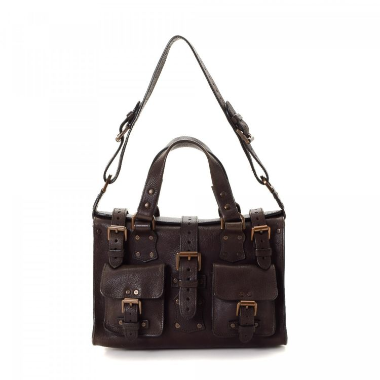 f21baa79b2 LXRandCo guarantees the authenticity of this vintage Mulberry Two Way  handbag. Crafted in leather