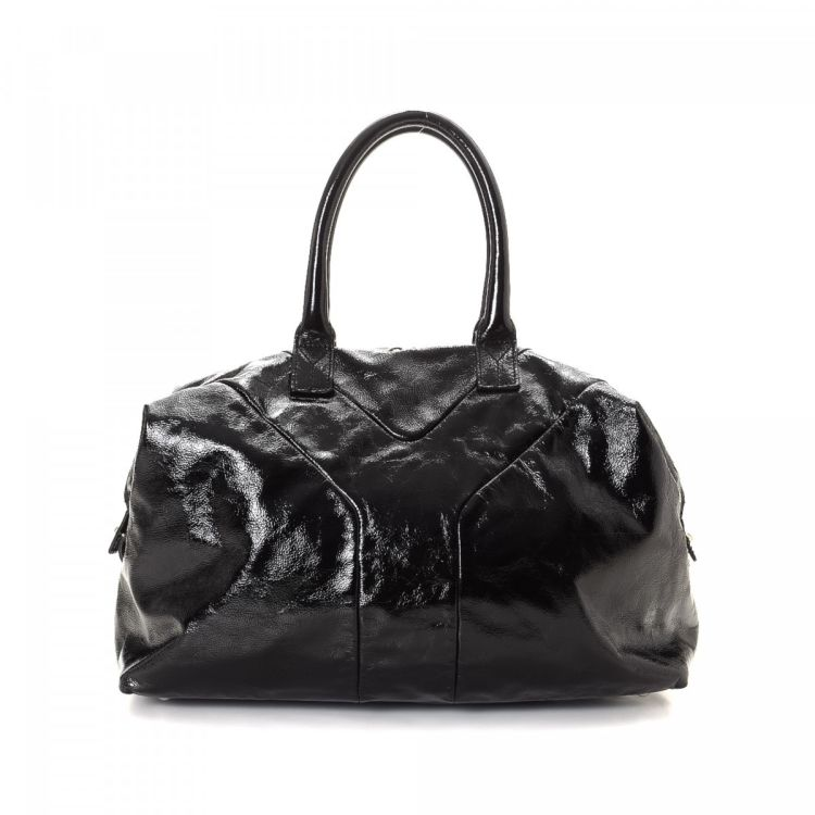 111afb86b57a The authenticity of this vintage Yves Saint Laurent Easy travel bag is  guaranteed by LXRandCo. This iconic boston bag in beautiful black is made  of patent ...