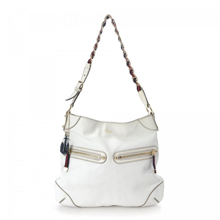 35d91f40f37 The authenticity of this vintage Gucci Capri Ranch shoulder bag is  guaranteed by LXRandCo. This classic bag comes in white leather.