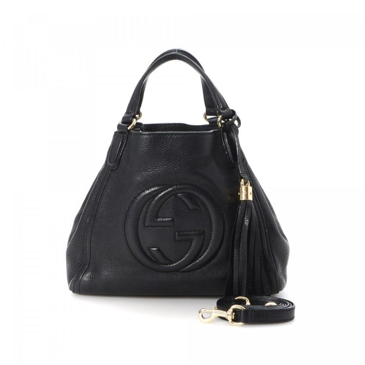 33b3fd553 The authenticity of this vintage Gucci Soho Two Way Bag shoulder bag is  guaranteed by LXRandCo. This luxurious pocketbook in black is made of  leather.