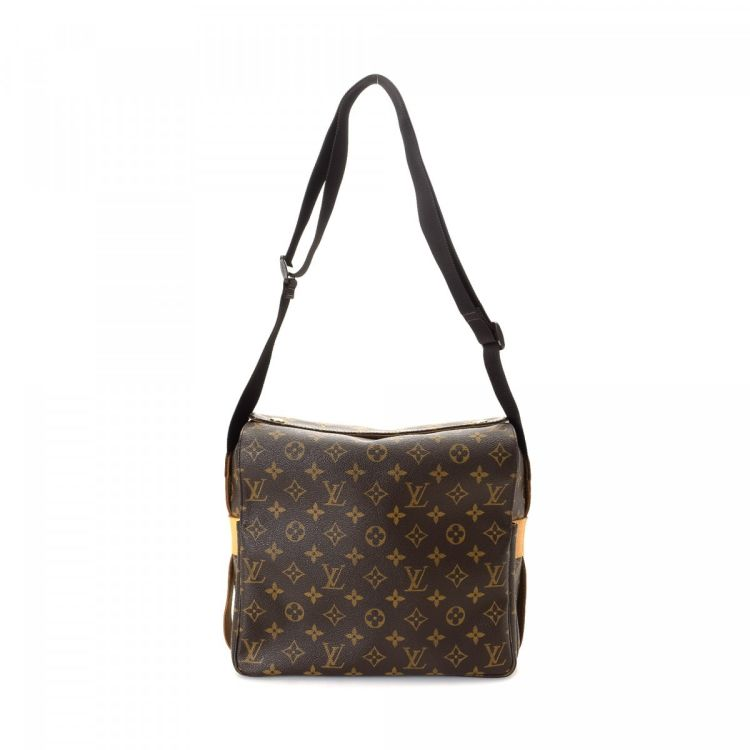 8f21380a5a41c LXRandCo guarantees this is an authentic vintage Louis Vuitton Naviglio  messenger   crossbody bag. This signature hobo bag in brown is made in  monogram ...
