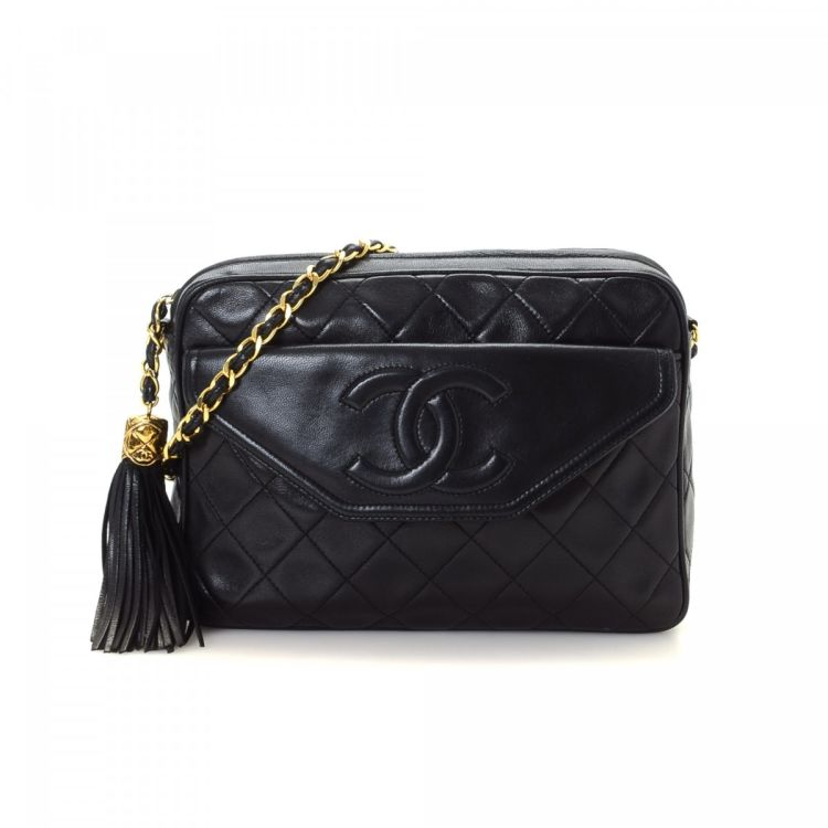 91d01f8680fb LXRandCo guarantees this is an authentic vintage Chanel Tassel Bag shoulder  bag. Crafted in matelasse lambskin