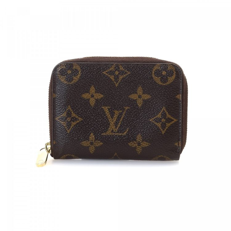 42cb818ebe37 The authenticity of this vintage Louis Vuitton Zippy Coin Purse wallet is  guaranteed by LXRandCo. This everyday wallet was crafted in monogram coated  canvas ...
