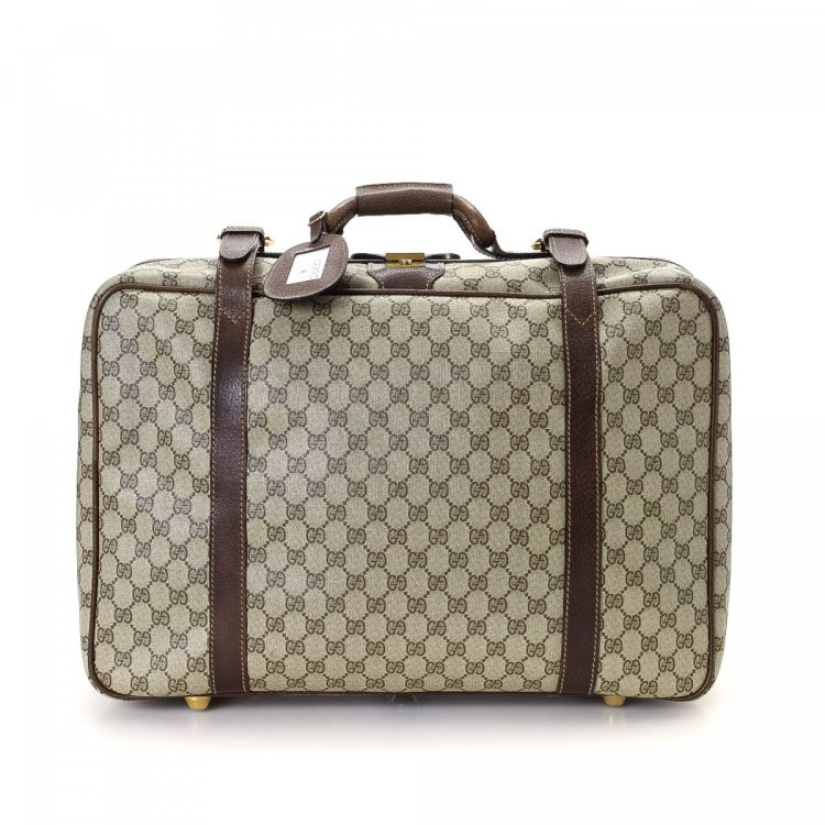 b8c0c2daf0e The authenticity of this vintage Gucci GG Supreme travel bag is guaranteed  by LXRandCo. Crafted in gg supreme coated canvas