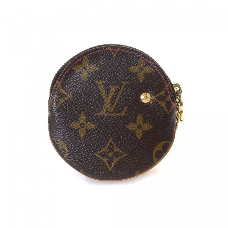 acca0a6370b7 LXRandCo guarantees the authenticity of this vintage Louis Vuitton Round  Coin Purse wallet. This classic bifold in brown is made in monogram cherry  coated ...