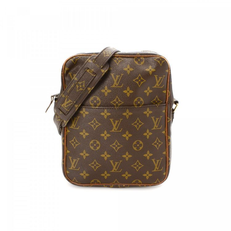 a5d4b7dd9aca ... of this vintage Louis Vuitton Petit Marceau messenger   crossbody bag.  This luxurious messenger   crossbody bag was crafted in monogram coated  canvas in ...