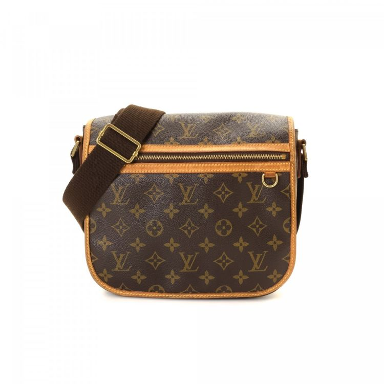 c589fe5a0aae LXRandCo guarantees this is an authentic vintage Louis Vuitton Pochette  Bosphore messenger   crossbody bag. Crafted in monogram coated canvas