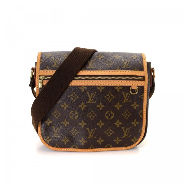 LXRandCo guarantees the authenticity of this vintage Louis Vuitton Bosphore  Messenger PM messenger   crossbody bag. Crafted in monogram coated canvas 19e795afc5d71
