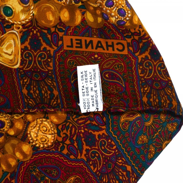 6dbb32b92ed The authenticity of this vintage Chanel scarf is guaranteed by LXRandCo.  This classic scarf comes in beautiful multi color silk. Very good  condition  (A)