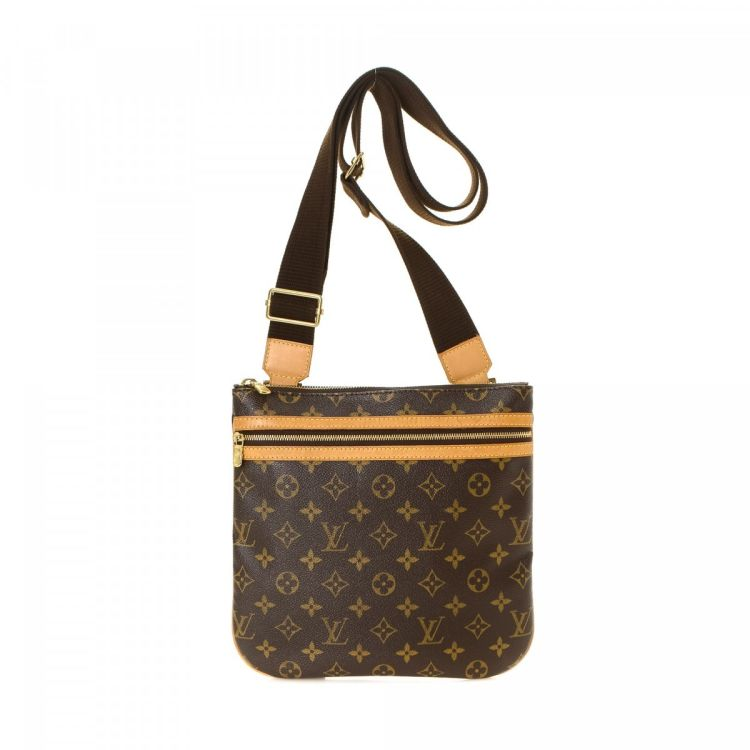 cd5f8aa13c7b The authenticity of this vintage Louis Vuitton Bosphore Pochette messenger    crossbody bag is guaranteed by LXRandCo. This sophisticated messenger ...