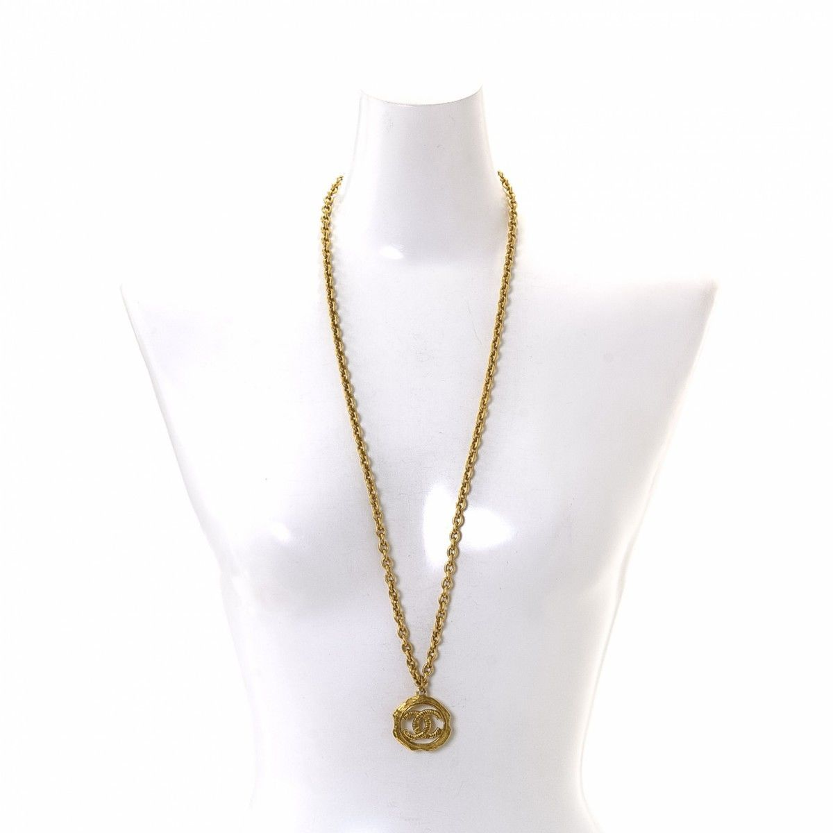 Chanel cc logo necklace 80cm gold plated metal lxrandco pre chanel cc logo necklace 80cm aloadofball Image collections