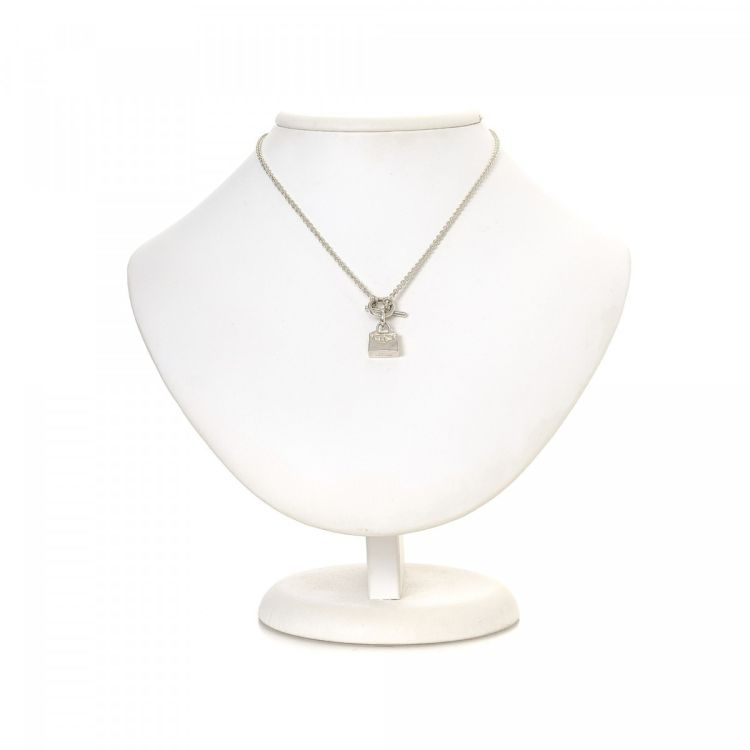 Herms kelly pendant toggle necklace 40cm 925 sterling silver lxrandco guarantees this is an authentic vintage herms kelly pendant toggle 40cm necklace this practical chain comes in beautiful silver 925 sterling aloadofball Gallery