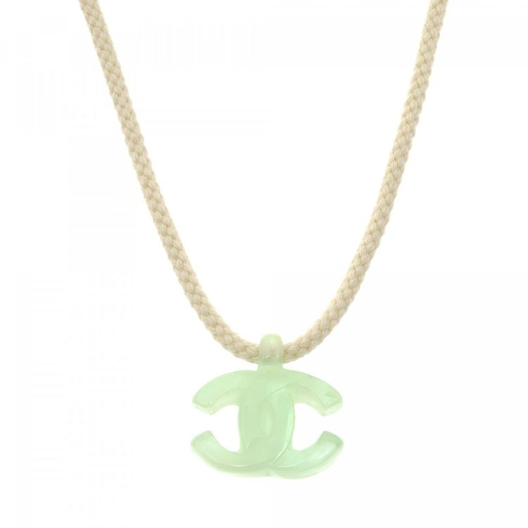 c1d13760c8cf LXRandCo guarantees this is an authentic vintage Chanel CC Logo 78cm  necklace. This classic pendant necklace in beautiful cream is made of  enamel.