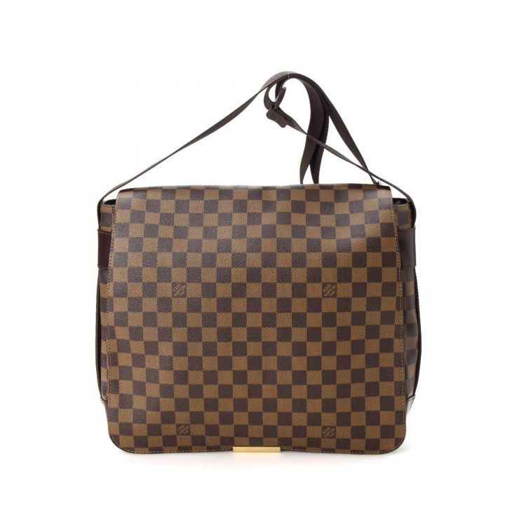 9b186861cdfd ... of this vintage Louis Vuitton Bastille messenger   crossbody bag. This  iconic messenger   crossbody bag in brown is made in damier ebene coated  canvas.
