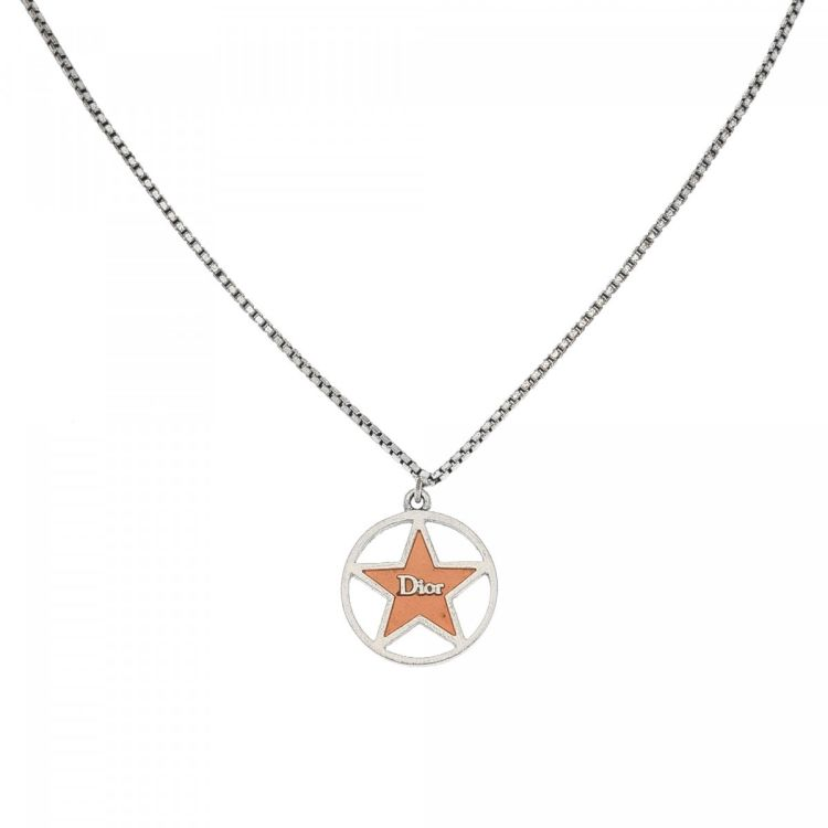 Dior star pendant necklace 455cm metal and enamel lxrandco pre the authenticity of this vintage dior star pendant necklace is guaranteed by lxrandco this iconic chain comes in silver tone metal and enamel aloadofball Images