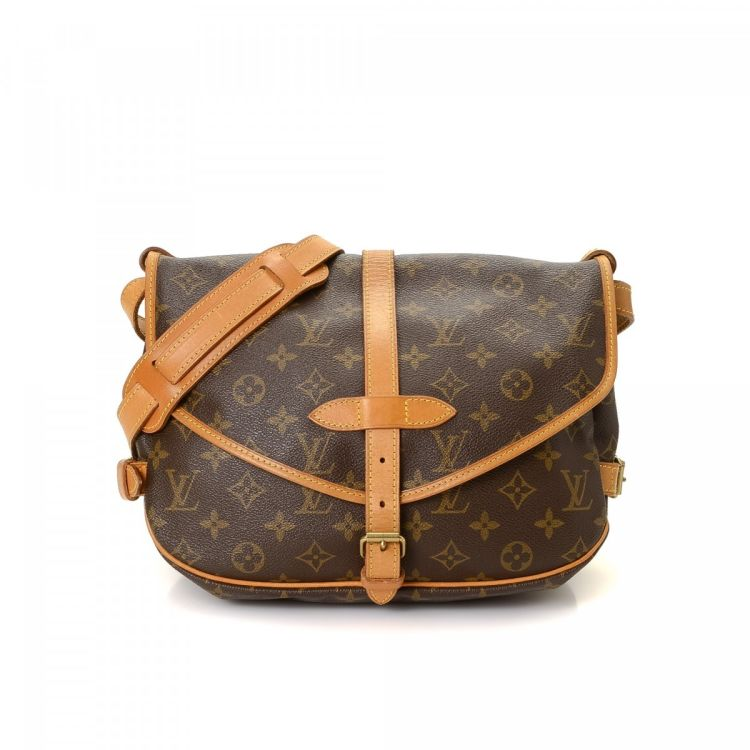 964b654a23be LXRandCo guarantees this is an authentic vintage Louis Vuitton Saumur 30  messenger   crossbody bag. Crafted in monogram coated canvas