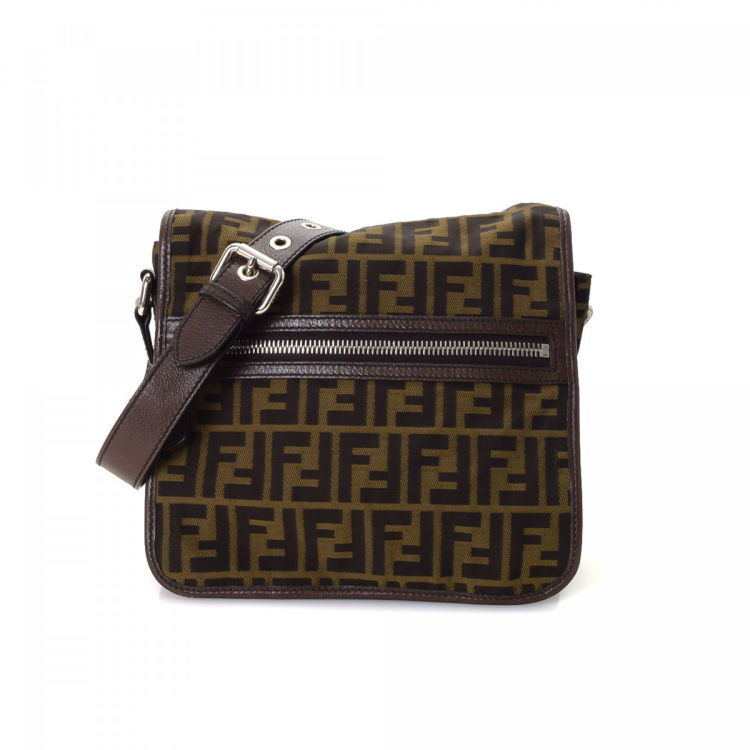 418b4fe135 ... official fendi zucca crossbody bag zucca canvas lxrandco pre owned  luxury vintage d2049 3768c
