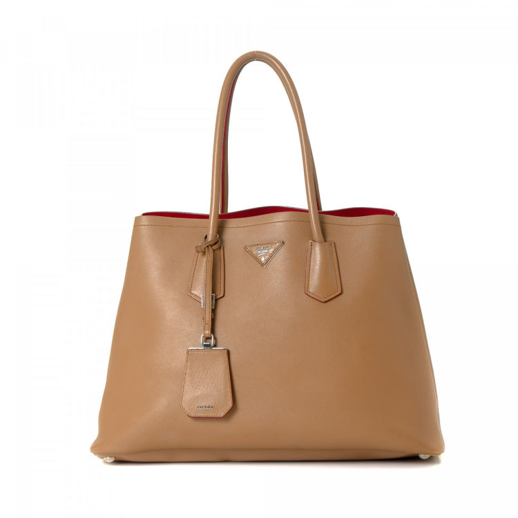702c3cd51b5f ... netherlands prada soft leather tote leather lxrandco pre owned luxury  vintage a29cb 9a8de